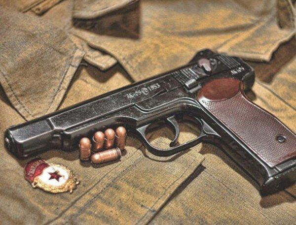 Автоматический пистолет Стечкина - бесполезен для войны?