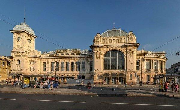 10 самых красивых и интересных вокзалов России