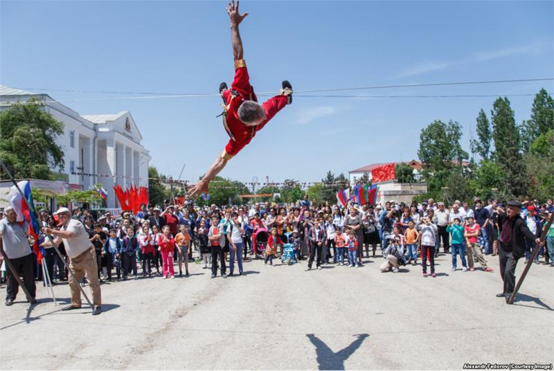"""Они называли себя """"пехлаваны"""": высокое искусство дагестанских канатаходцев"""