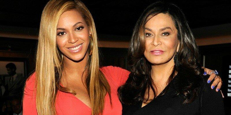 10 знаменитостей с матерями тогда и сейчас