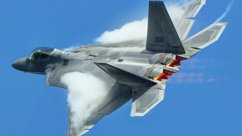 F-22 облезают в Сирии