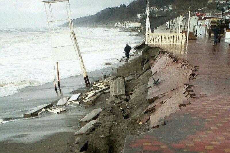 Последствия урагана в Сочи
