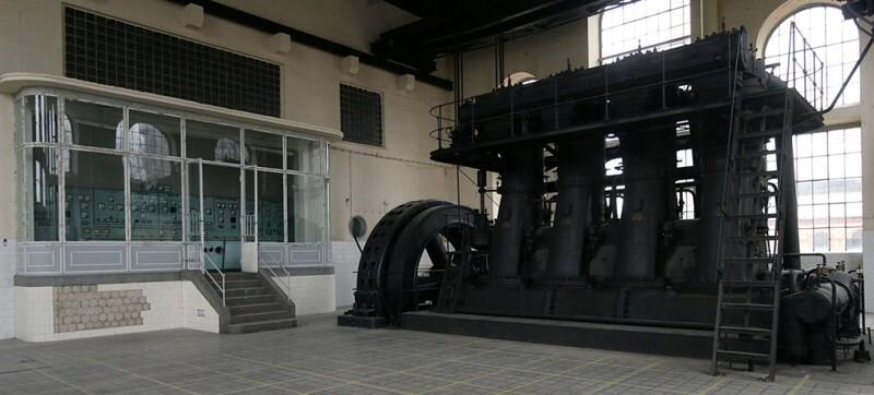 103-летний дизельный генератор в рабочем состоянии