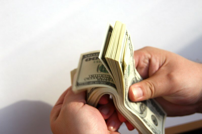 Курс доллара не убьет тебя, Россия! Не ной