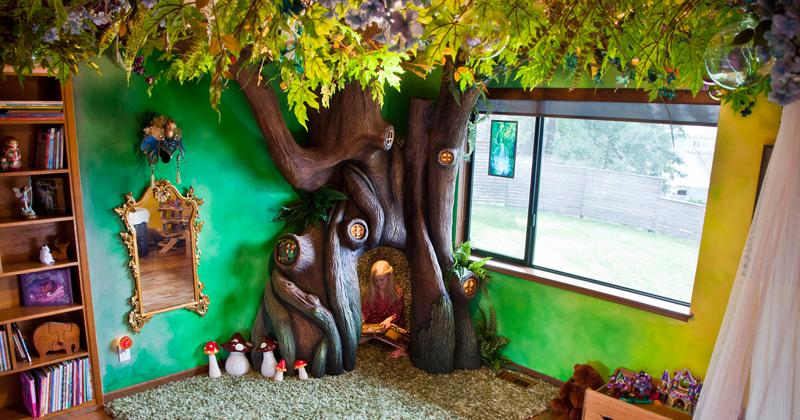Отец потратил 18 месяцев на превращение спальни дочери в волшебный домик на дереве
