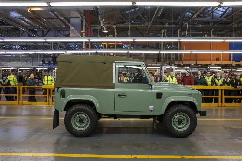 Land Rover свернула производство внедорожника Defender