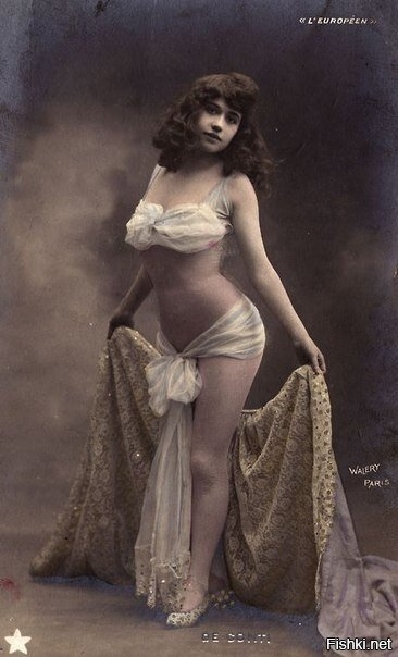 Артистка парижского кабаре, 1900 г