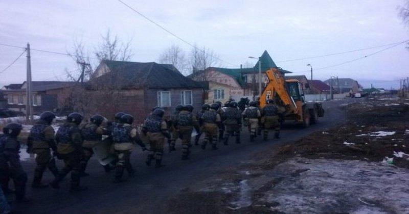 В Тульской области 500 омоновцев усмиряют бунтующих цыган
