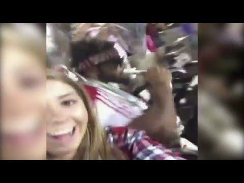 За селфи на фоне музыканта, девушка получила удар тубой