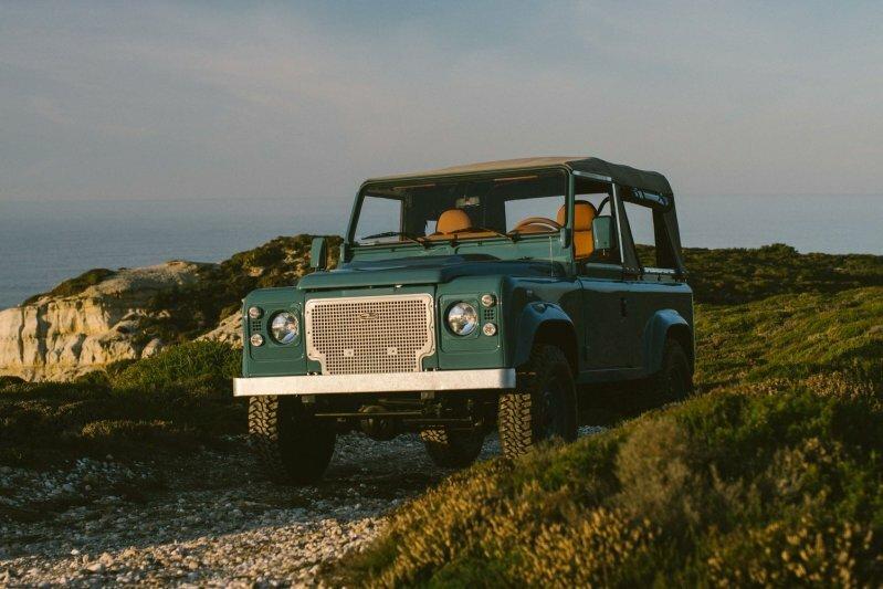 Классический Land Rover с роскошной отделкой