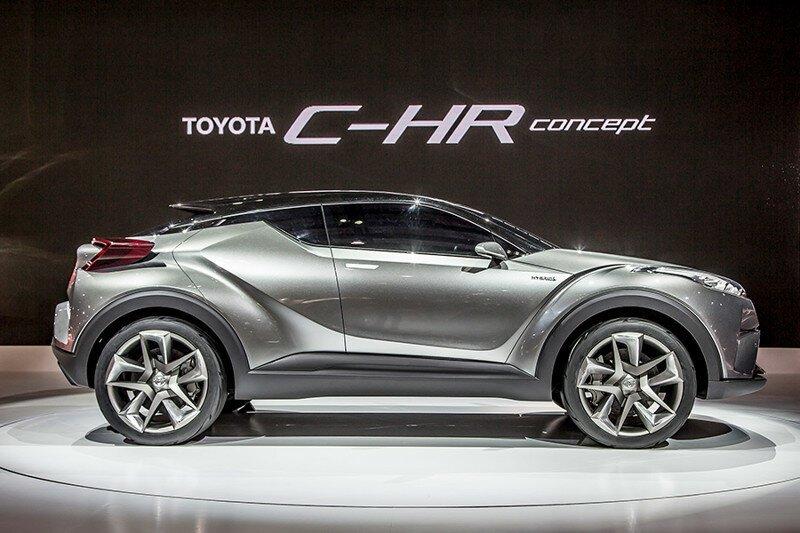 Toyota будет продавать в России c-hr