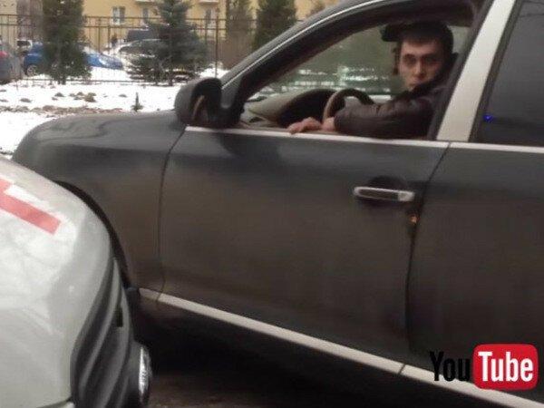 """Уголовный разворот в деле """"Порше"""" против скорой"""