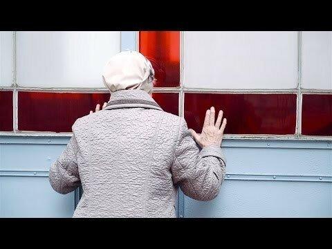 Блогер вернул свою бабушку на 40 лет назад