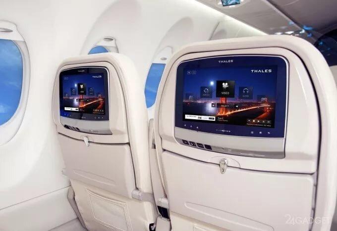 Обнаружена возможность захватить управление самолётом через экран для пассажиров