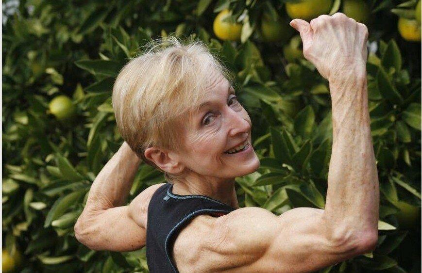 Как выглядит бабушка, которая 20 лет занимается бодибилдингом