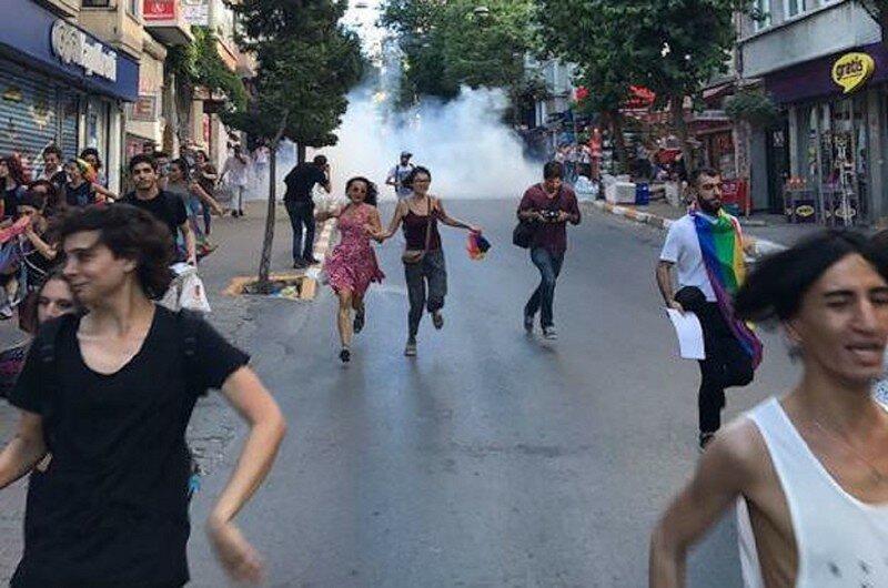Полиция Стамбула разогнала гей-парад