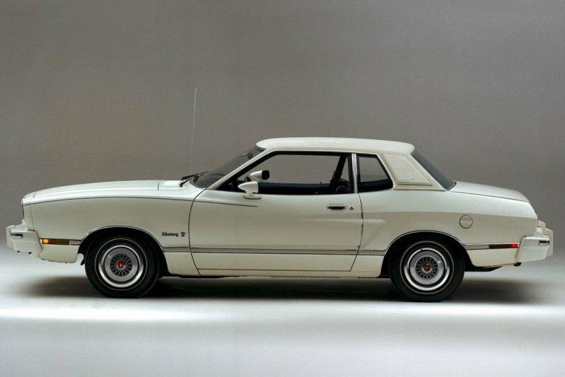 Больной жеребец. Второе поколение Ford Mustang