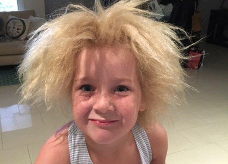 """Школьница из Мельбурна, чьи волосы не может """"укротить"""" ни одна расческа"""