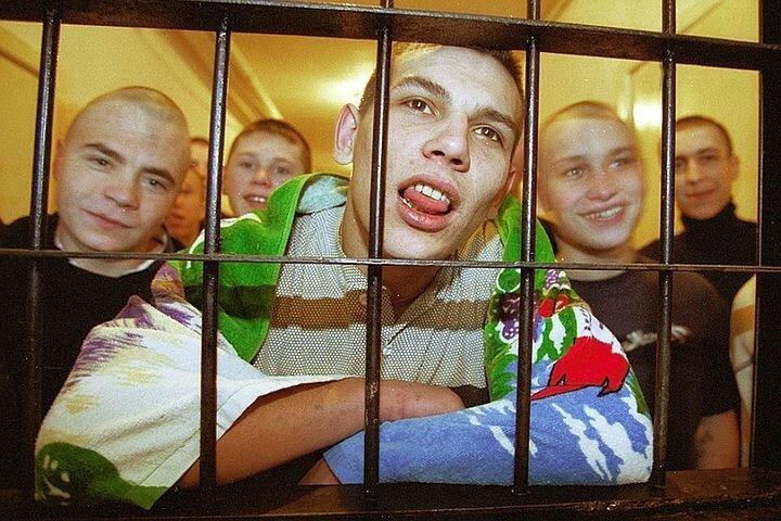 Банды малолетних преступников терроризируют регионы России