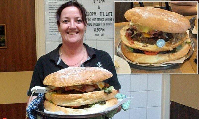 А вы справитесь с самым большим бургером Австралии?