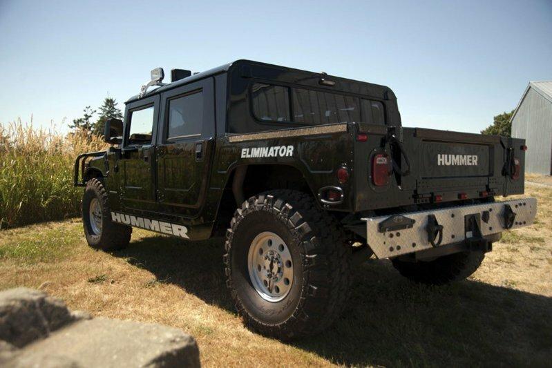 Hummer Тупака Шакура продали на аукционе со второй попытки