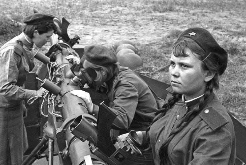 Подвиг сталинградских зенитчиц. 23 августа 1942 года наши зенитчицы не позволили немцам с ходу ворва