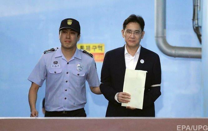 Суд приговорил вице-президента Samsung к пяти годам тюрьмы
