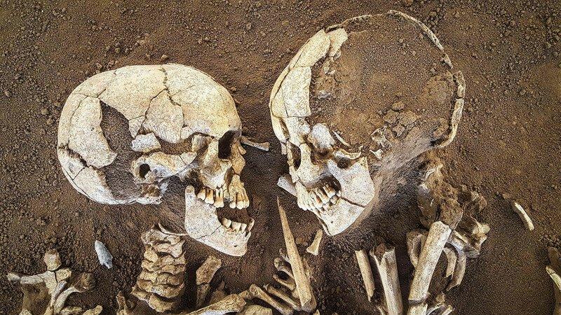 """Объятия длиной 6 тысяч лет. """"Влюбленные из Вальдаро"""". Любовь сквозь тысячелетия? Часть 1"""