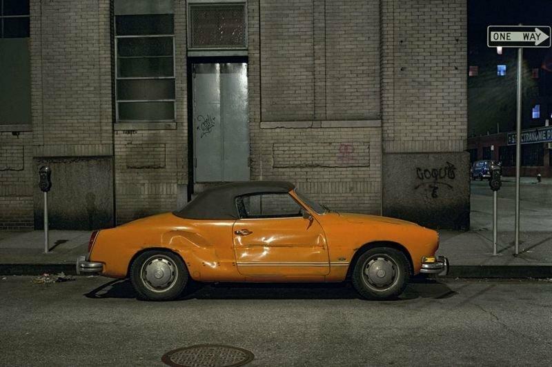 """Подборка припаркованных """"старичков"""" с улиц Нью-Йорка от фотографа Лэнгдона Клэя"""