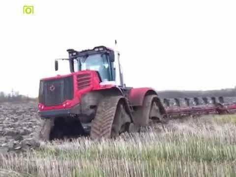Появилось видео, как уникальный «Кировец» пашет «болото»