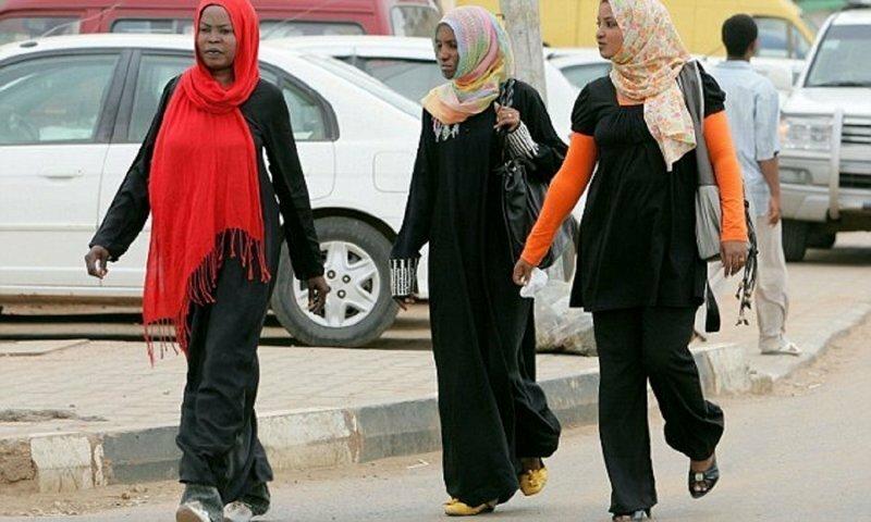 Жительниц Судана арестовали за ношение брюк