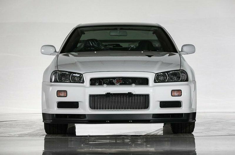 Новенький Skyline GT-R ограниченной серии 2002 года выпуска уйдет с молотка