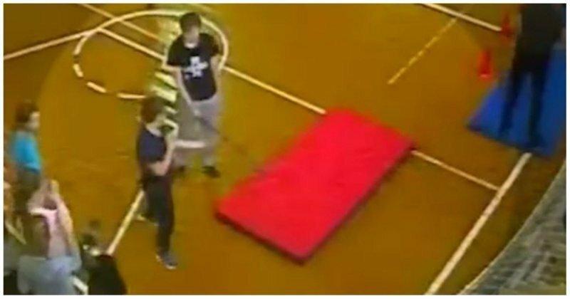 В Новой Москве школьник сломал себе позвоночник на уроке физкультуры