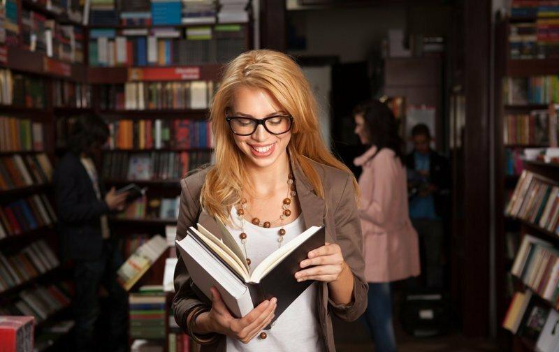 Forbes определил, какие книги лучше всего покупали в России