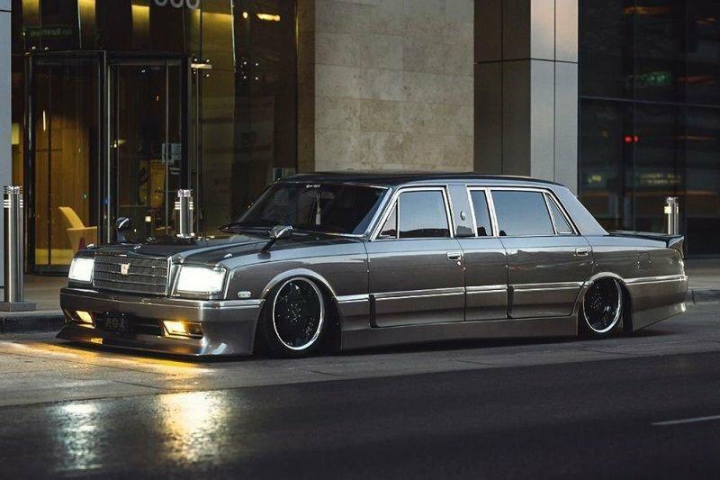 Редчайший Toyota Century Limousine стал отличным проектом в стиле VIP