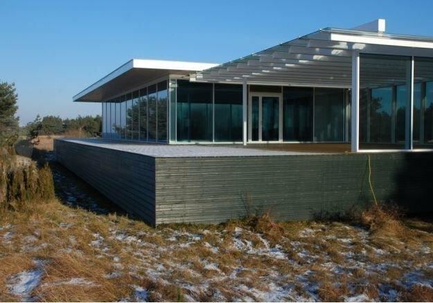 Когда нельзя построить домик прямо на берегу моря, но очень хочется