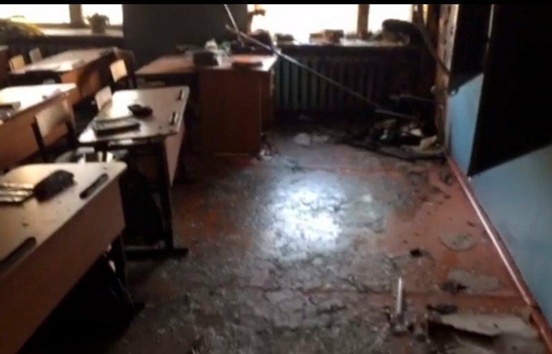 Девятиклассник напал на школу с топором и зажигательной смесью: видео и подробности