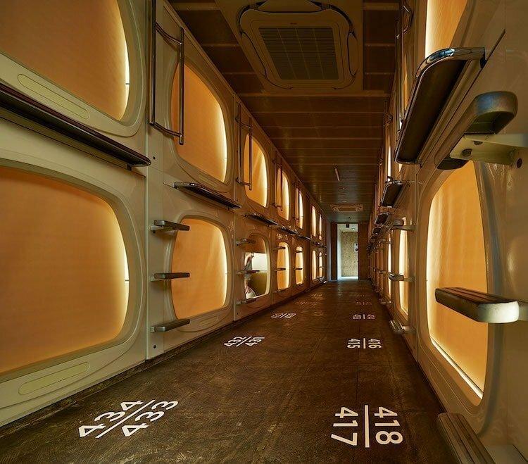 Как выглядит современный японский капсульный отель