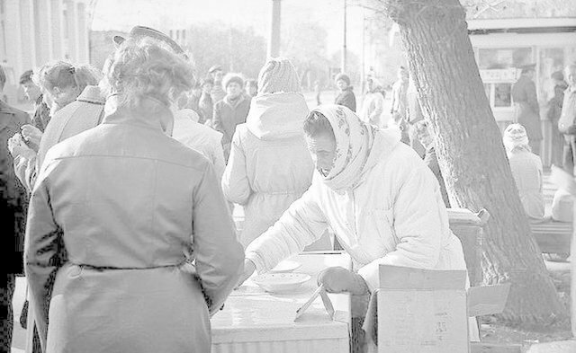Продавщица мороженого, в честь которой установили памятник