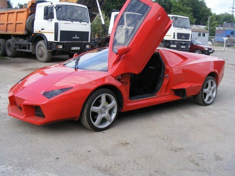 Умелец четыре года создавал подобие редкого суперкара Lamborghini Reventon
