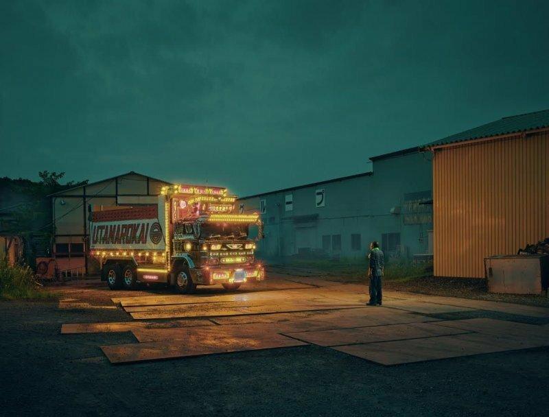 Рабочие грузовики с невероятным убранством и украшениями из Японии
