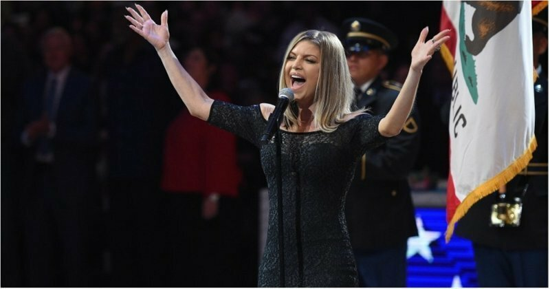 Певица Ферги разозлила жителей США слишком вульгарным исполнением национального гимна