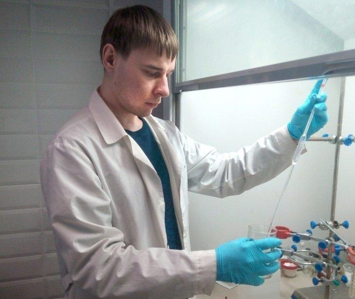 Томский ученый создал негорючий и устойчивый к агрессивной среде полимер