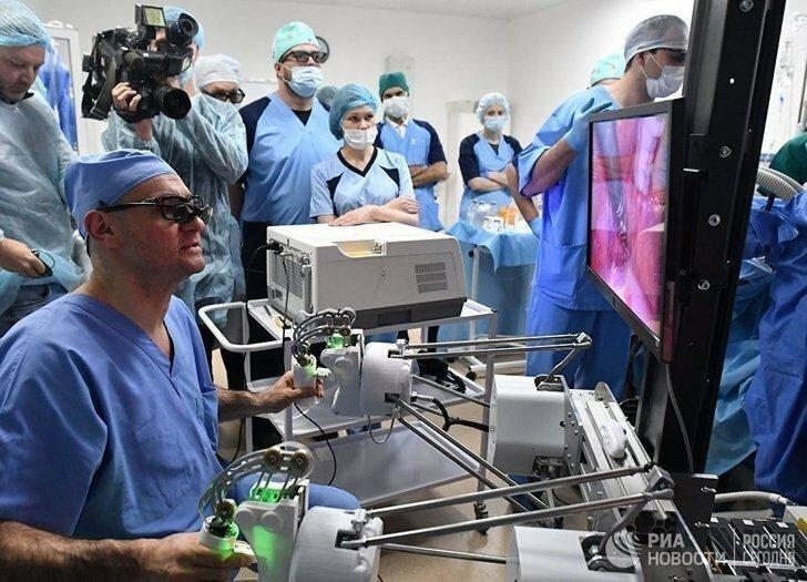 Пилотный образец российского робота-хирурга провёл первую операцию