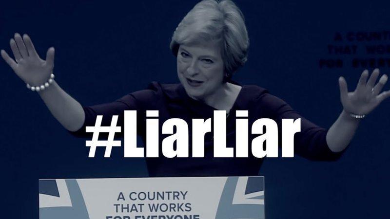 Она лгунья