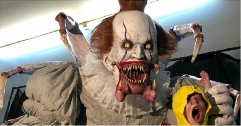 """Жуткая аниматронная модель клоуна Пеннивайза из фильма """"Оно"""""""