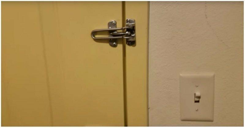 Мужчина вскрыл дверь номера в отеле, используя меню из пиццерии