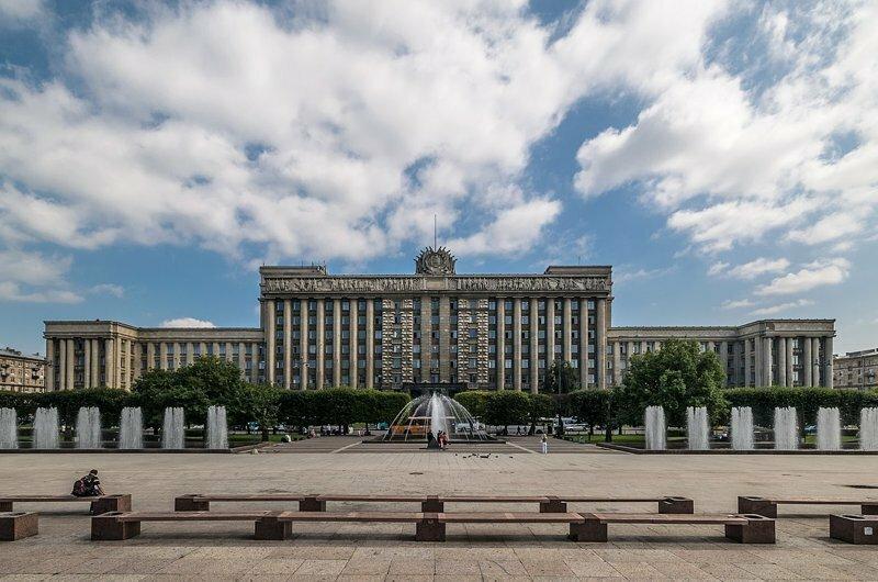 Лучшие здания Сталинского ампира в Санкт-Петербурге