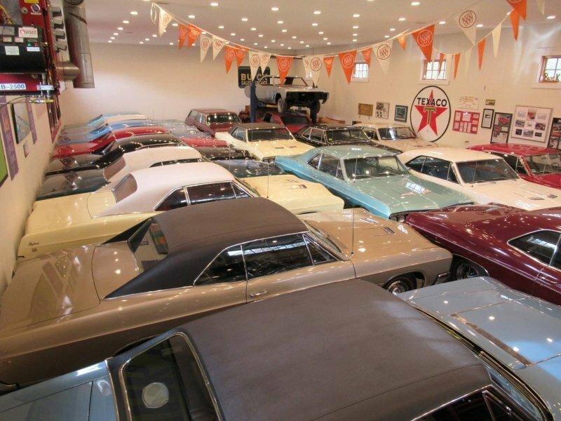 Встречайте человека, который коллекционирует только автомобили Buick одной модели