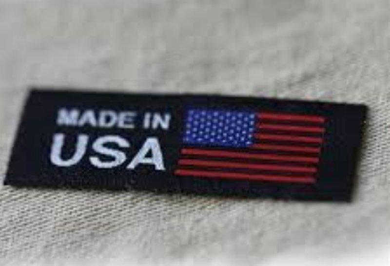 Медведев предложил запретить покупку американских товаров